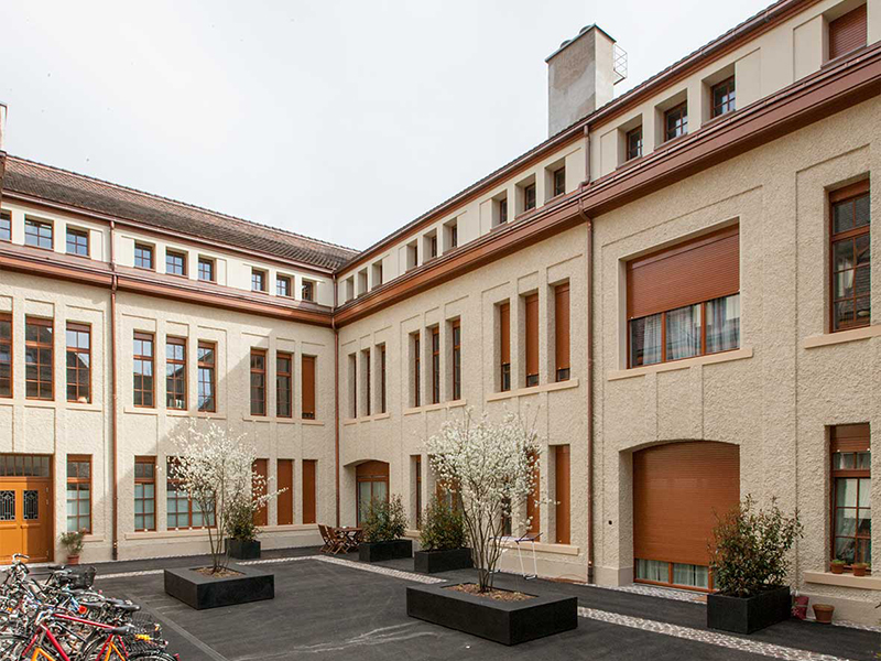 5_1181-Bae-40-Fassade-Hof-6a